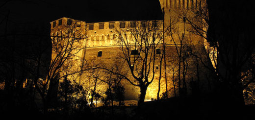 Castello-di-Gradara-di-notte